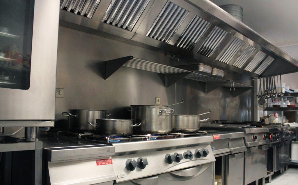 maquinaria necesaria para cocina de restaurante